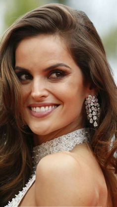 Izabel Goulart wearing Boucheron jewelry on the red carpet forThe killing of a sacred deer #Cannes2017