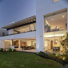 Modern House Design Architecture - Home Design and Home Interior Modern Garden Design, Modern House Design, Fachada Colonial, Open House Plans, Modern Architects, Modern Mansion, Modern Houses, Design Blog, Stone Houses