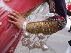Sa buttonera / buttons: Sardinian jewelry | di crispina14 via Flickr #sardegna