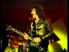 [HD] Black Sabbath - Neon Knights (Live Black and Blue Rock And Rool, Black Sabbath Albums, Live Rock, Heaven And Hell, Rock Concert, Just Friends, Greatest Songs, Metalhead, Hd 1080p