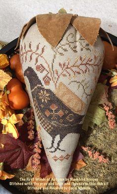 Cross Stitch Gallery, Cross Stitch Bird, Cross Stitching, Cross Stitch Embroidery, Cross Stitch Patterns, Blackbird Designs, Blackbirds, Halloween Cross Stitches, Cross Stitch Finishing