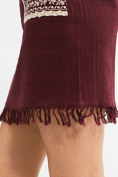 Lightweight mini skirt w embroidery