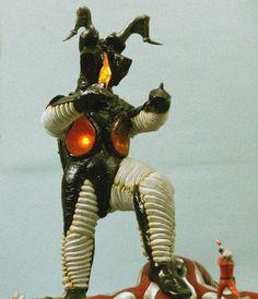 超・アラシ対ゼットン~続・最期の瞬間~! Hero Tv Show, Japanese Monster, Hero Costumes, Japan Art, Kamen Rider, Special Effects, Godzilla, My Hero, Science Fiction