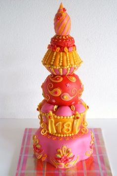 Bollywood I made this cake for the birthday of the daughter of one of my best friends. She liked the (paisley) decoration from Lindy. Gorgeous Cakes, Pretty Cakes, Amazing Cakes, Cupcakes, Cupcake Cookies, Bollywood Cake, Bollywood Theme, Bollywood Wedding, Bollywood Style