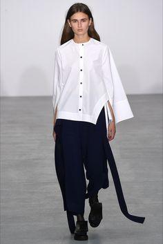 Sfilata Eudon Choi Londra - Collezioni Primavera Estate 2017 - Vogue