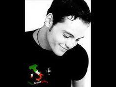 Tiziano Ferro- Sere Nere (Live-Roma) Legenda-BR - YouTube