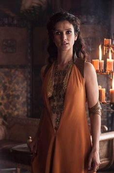 Indira Varma as Ellaria Sand, Oberyn Martell's lover--Game of Thrones. Costumes Game Of Thrones, Game Of Thrones Dress, Game Of Thrones Tv, Game Of Thrones Jewelry, Indira Varma, Got Costumes, Movie Costumes, Female Costumes, Fantasy Costumes