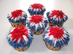 Fireworks! - White cupcakes iced with buttercream, using grass tip #233.