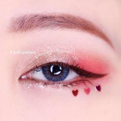 Makeup Glitter Eyeshadow Maquiagem 37 Ideas - Make-Up Korean Makeup Look, Asian Eye Makeup, Colorful Eye Makeup, Eye Makeup Art, Blue Eye Makeup, Glitter Makeup, Cute Makeup, Pretty Makeup, Eyeshadow Makeup