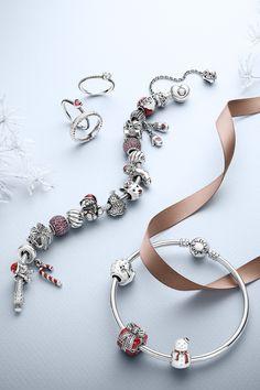 Create an adorable holiday bracelet with PANDORA's cute Christmas charms. #PANDORAbracelet #PANDORAring