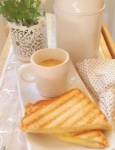 Café com pão e queijo - www.camilanacozinha.com