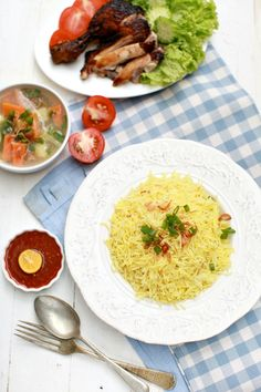 Sweet and sour: Chicken Rice, Chicken . Spicy Dishes, Modern Asian, Malaysian Food, Savoury Recipes, Chicken Rice, Antara, Chicken Recipes, Curry, Menu