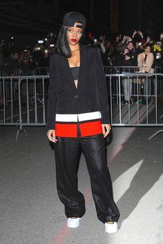 RihannaGivenchyShowParisFasionWeekFW14