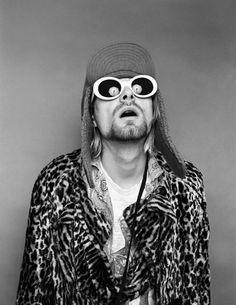 Kurt Cobain Tattoo, Kurt Corbain, Countertops, Sunglasses, How To Wear, Poster, Style, Albums, Environment