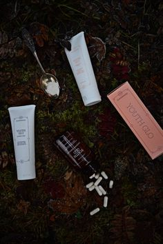 Youth Glo by Supermood, the Finnish holistic beauty brand on due fili d'erba   two blades of grass   by thaisfk