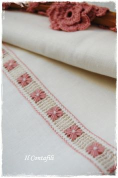 Il contafili: My Etsy.Made for my shop on Etsy Hardanger Embroidery, Ribbon Embroidery, Embroidery Stitches, Embroidery Techniques, Weaving Techniques, Hand Embroidery Design Patterns, Monks Cloth, Drawn Thread, Linen Towels