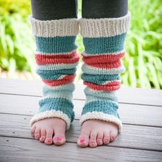 New loom knitting pattern for Yoga legwarmers! Easy summer knitting project!