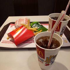 Late night meal. #McDonalds #McDonald #Burger #Hamburger #Apple #Pie #ApplePie #Cola #CocaCola #Lemon #Tea #LemonTea #French #Fries #FrenchFries #Late #Night #Meal #LateNight #NightMeal #LateNightMeal