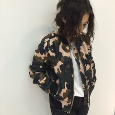 Take the utilitarian look to the next level with the camouflage print bomber jacket. Complete with authentic MA1 details, ribbed trims and contrasting pink details. #Topshop