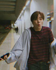Me, a newbie iKonic, trying to understand iKON. Kim Jinhwan, Chanwoo Ikon, Yg Entertainment, Bobby, Ringa Linga, Ikon Member, Taehyung, Ikon Kpop, Ikon Debut