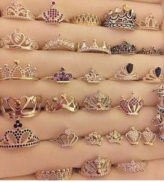We all deserve a crown ring Cute Jewelry, Jewelry Box, Jewelry Rings, Jewelery, Jewelry Accessories, Fashion Accessories, Fashion Jewelry, Pandora Jewelry, Pandora Rings