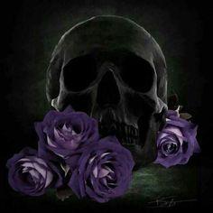 Don't see black skulls very often Gothic Vampire, Dark Gothic, Gothic Art, Crane, Grim Reaper Art, Vampire Pictures, Badass Skulls, Skull Pictures, Sugar Skull Art