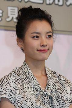 Actress Han Hyo Joo K Beauty, Asian Beauty, Asian Woman, Asian Girl, Brilliant Legacy, Bh Entertainment, Han Hyo Joo, Queen, Cute Girls