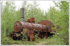 Amazing Rusty Finds - #searchlocated - It's like the Hogwart's Express