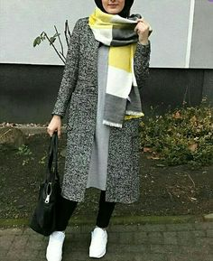 Classy Winter Coat Looks With Hijab - Zahrah Rose Modern Hijab Fashion, Hijab Fashion Inspiration, Street Hijab Fashion, Islamic Fashion, Muslim Fashion, Modest Fashion, Style Inspiration, Hijab Casual, Hijab Outfit
