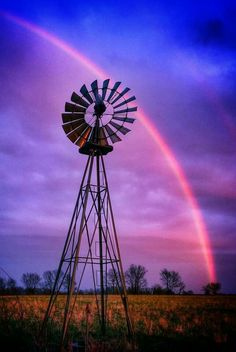 Windmill Solar Energy Panels, Solar Energy System, Solar Power, Solar Panels, Farm Windmill, Windmill Art, Beautiful Places, Beautiful Pictures, Old Windmills