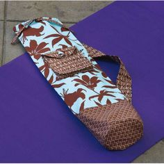 Yoga Mat Carrier Sewing Pattern (Digital Edition)Love the outer pocket! Yoga Accessories, Sewing Accessories, Bag Patterns To Sew, Sewing Patterns, Sewing Tutorials, Sewing Projects, Yoga Mat Bag, Latest Technology, Latex Free