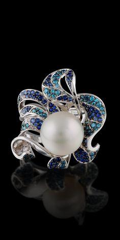 Rosamaria G Frangini | High Pearl Jewellery | Master Exclusive Diamond Flowers