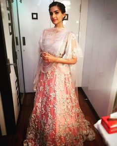 @sonamkapoor at the life ok Diwali special in @shehlaakhan couture #prdpseason #prdp #maithili