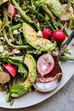 Grilled Green Bean Salad | HonestlyYUM (honestlyyum.com)