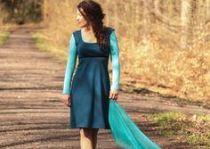 Empirekleider - Jerseykleid Empire-Kleid petrol mit Samtband - ein Designerstück von basia-kollek bei DaWanda
