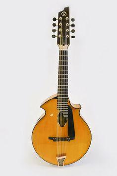 Beardsell Guitars » 6A Mandolin | Handmade Guitars, Harp Guitars, Mandolins, and more. Awsome Mandolins!
