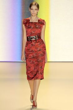 Carolina Herrera Spring 2011 Ready-to-Wear Fashion Show - Heidi Mount