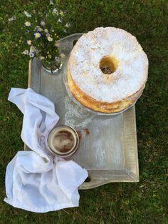 Chiffon cake limone e fiori di sambuco