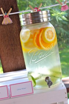 My favorite way to serve drinks in the summer!  I love Mason jars!
