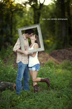 Cute Engagements. Image copyright Alex Michele Photography.