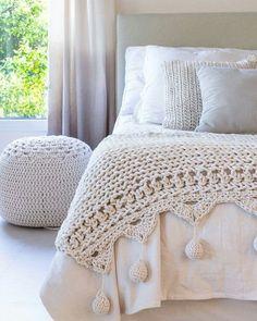 #knitting #knittingaddict #knittingpattern #crochet #crochetlove #crochetblanket #crocheting #örgümodelleri #örnek #örgüaşkı #örgüoyuncak#amigurumi #paspas #cocukodasi #vintage #etamin #igneoyasi #elyapimi#hobi #elişi #handmade#evdekorasyonu #decor #baby #yelek #hirka #bere #patik #bag #çanta