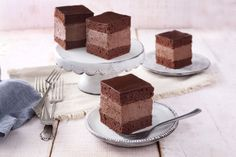 Rigó Jancsi - sütnijó! – Kipróbált sütemény receptek Riga, Tiramisu, Ethnic Recipes, Food, Mint, Essen, Meals, Tiramisu Cake, Yemek