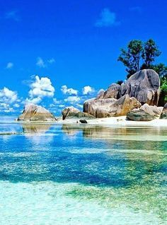 Seychelles Islands rival Bora Bora for being the most beautiful island in the… Seychelles Vacation, Les Seychelles, Seychelles Islands, Seychelles Tourism, Beautiful Islands, Beautiful Beaches, Beautiful Ocean, Dream Vacations, Vacation Spots