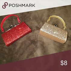 Lipstick holder. Little purse lipstick holder. Color is glittery so it may get your things glittery too. Makeup