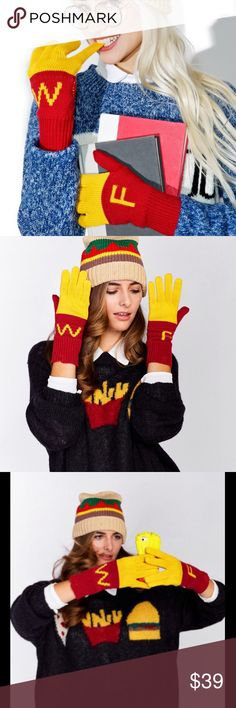 Wildfox fitted gloves Funky and fun Wildfox fitted knit gloves with the whimsical look of French fries. Featuring Wildfox initials. 60% Cotton 40% Acrylic Wildfox Accessories Gloves & Mittens