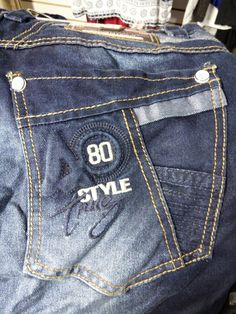 Bolsillo colombiano Jeans Style, Shirt Style, Fashion Wear, Mens Fashion, Denim Jeans Men, Blue Denim, Casual Shirts, Menswear, T Shirt