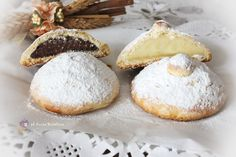 Panzerotti catanesi: uno dei dolci tipici della pasticceria della mia città riprodotto in casa per la felicità di grandi e piccini. Cookie Cake Pie, Biscuit Cookies, Cupcake Cookies, Sweet Recipes, Cake Recipes, Sweet Corner, Cooking Cake, Italy Food, Sicilian Recipes