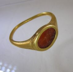 High carat man's gold ring ca 1580 with original carnelian intaglio of sixteenth century Vintage Gold Rings, Gold And Silver Rings, Antique Rings, Antique Gold, Antique Jewelry, Renaissance Jewelry, Edwardian Jewelry, Ancient Jewelry, Love Ring