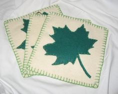 Army blanket into a trivet. Tree Skirts, Crafts To Make, Army, Christmas Tree, Blanket, Rugs, Holiday Decor, Handmade, Home Decor