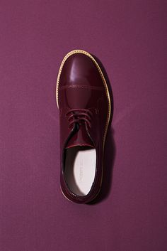 Step up in style this Sunday with our lace-up Derbies. #lacoste | #lyoness | Shop now: https://www.lyoness.com/branche/shoes-bags-accessories